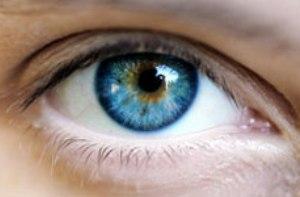ارتباط بین رنگ چشم و بیماری ها