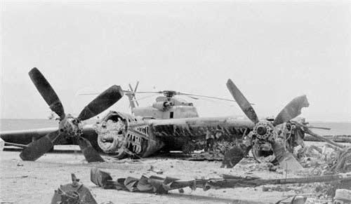تصاویر تازه منتشر شده از سقوط هواپیماهای آمریکایی در طبس