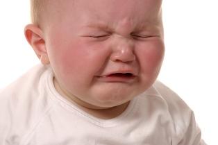دلایل گریه کردن نوزادان