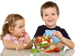 چهار  باور فدیمی غلط درباره غذا خوردن
