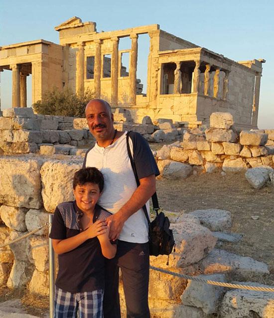 امیر جعفری و پسرش در یونان