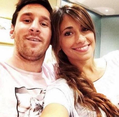 لیونل مسی و همسرش آنتونلا روکوزو