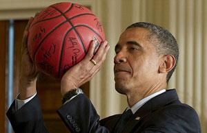 اوباما در حال بازی بسکتبال