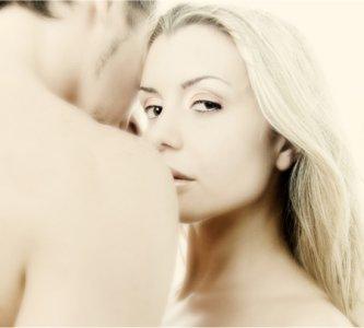 چرا زنان متاهل دوست دارند با پسران مجرد دوست شوند؟