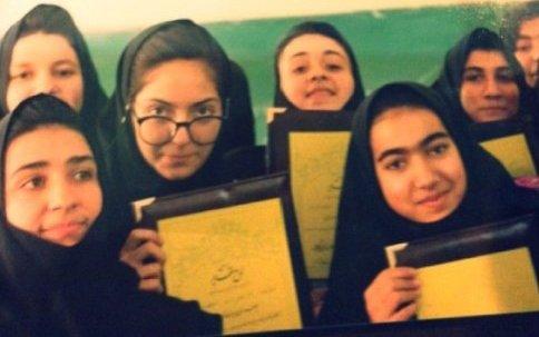مهناز افشار در دوران دبیرستان