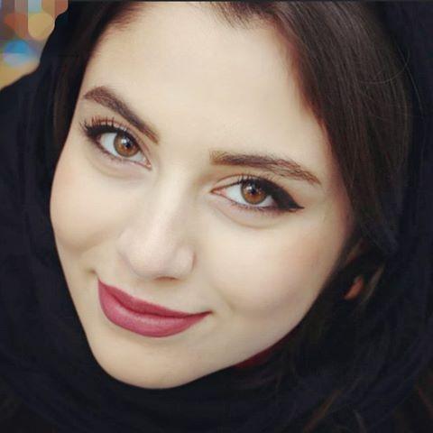 عکسهای یاسمین کلاهان عکسهای اینستاگرامی حدیث مدنی در زمستان ۱۳۹۴   زیباشهر
