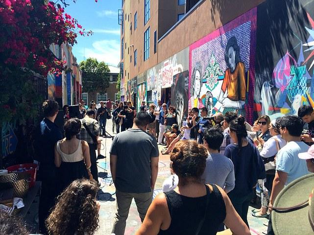 نقاشی شقایق سیروس از فروغ فرخزاد، سیمین بهبهانی و سیمین دانشور در سانفرانسیسکو