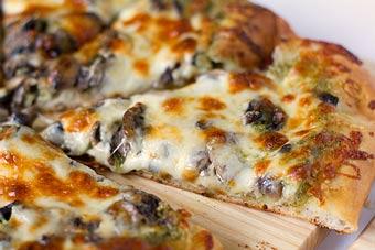 پیتزا خرمایی