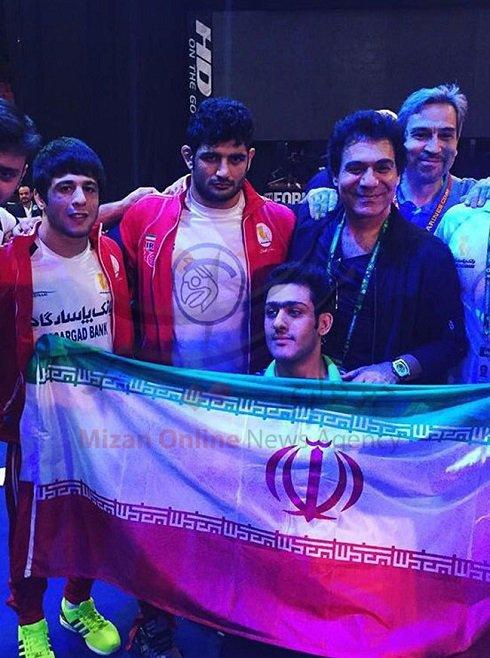 عکسهای یادگاری اندی خواننده لسآنجلسی با کشتیگیران ایرانی