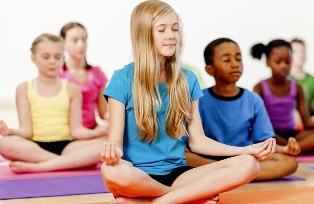 6 حالت یوگا برای آرام کردن ذهن کودکان