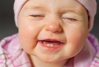 پوسیدگی دندانهای شیری را جدی بگیرید