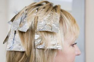 چگونه با فویل موها را مش یا هایلایت کنیم؟