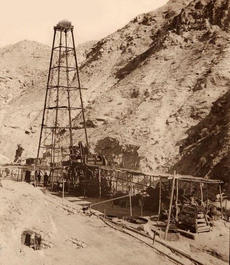 عکسهای اولین استخراج نفت در ایران