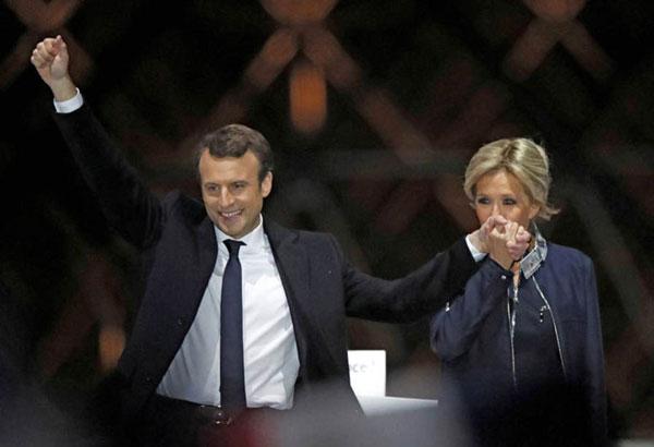 امانویل ماکرون و همسرش برژیت